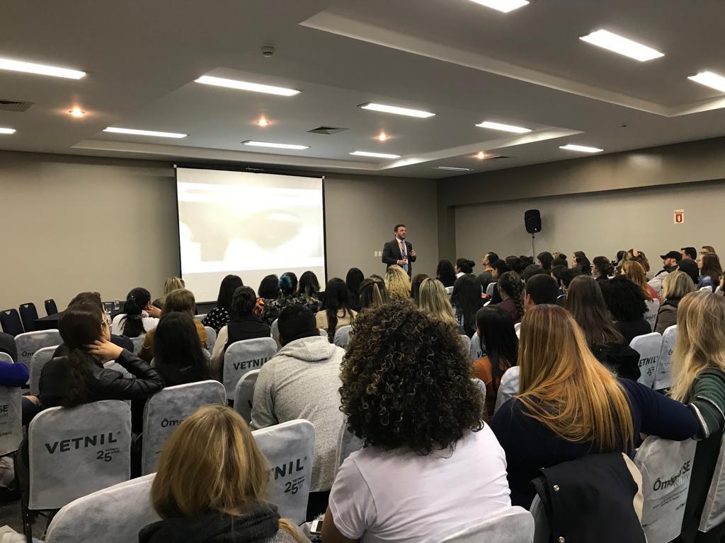 Kaleizu Rosa fala sobre como prevenir o Burnout na medicina veterinária